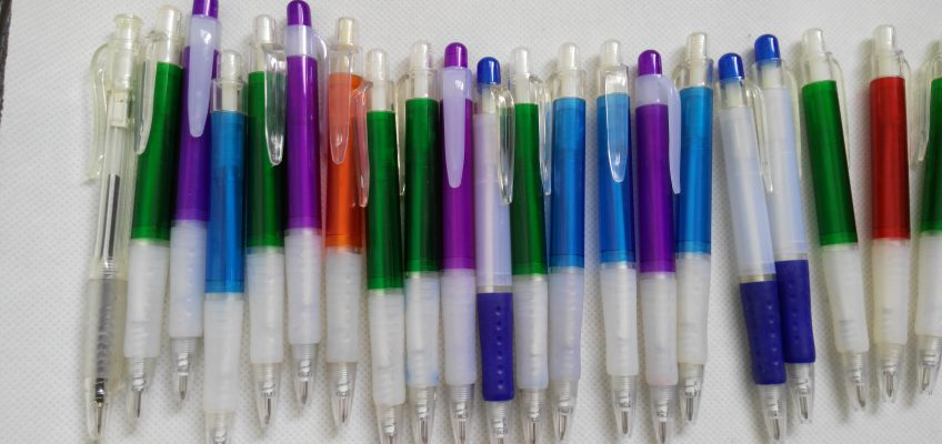 Custom logo plastic pens
